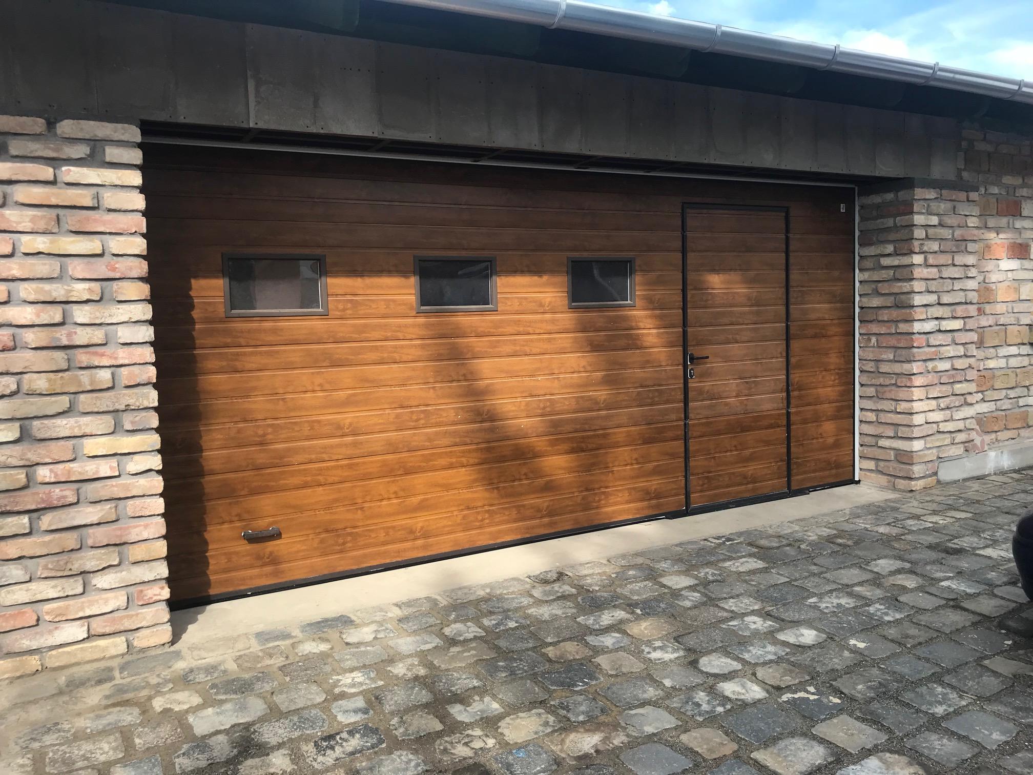 L-Gate kaputechnika - Alutech szekcionált garázskapu személybejáró ajtóval